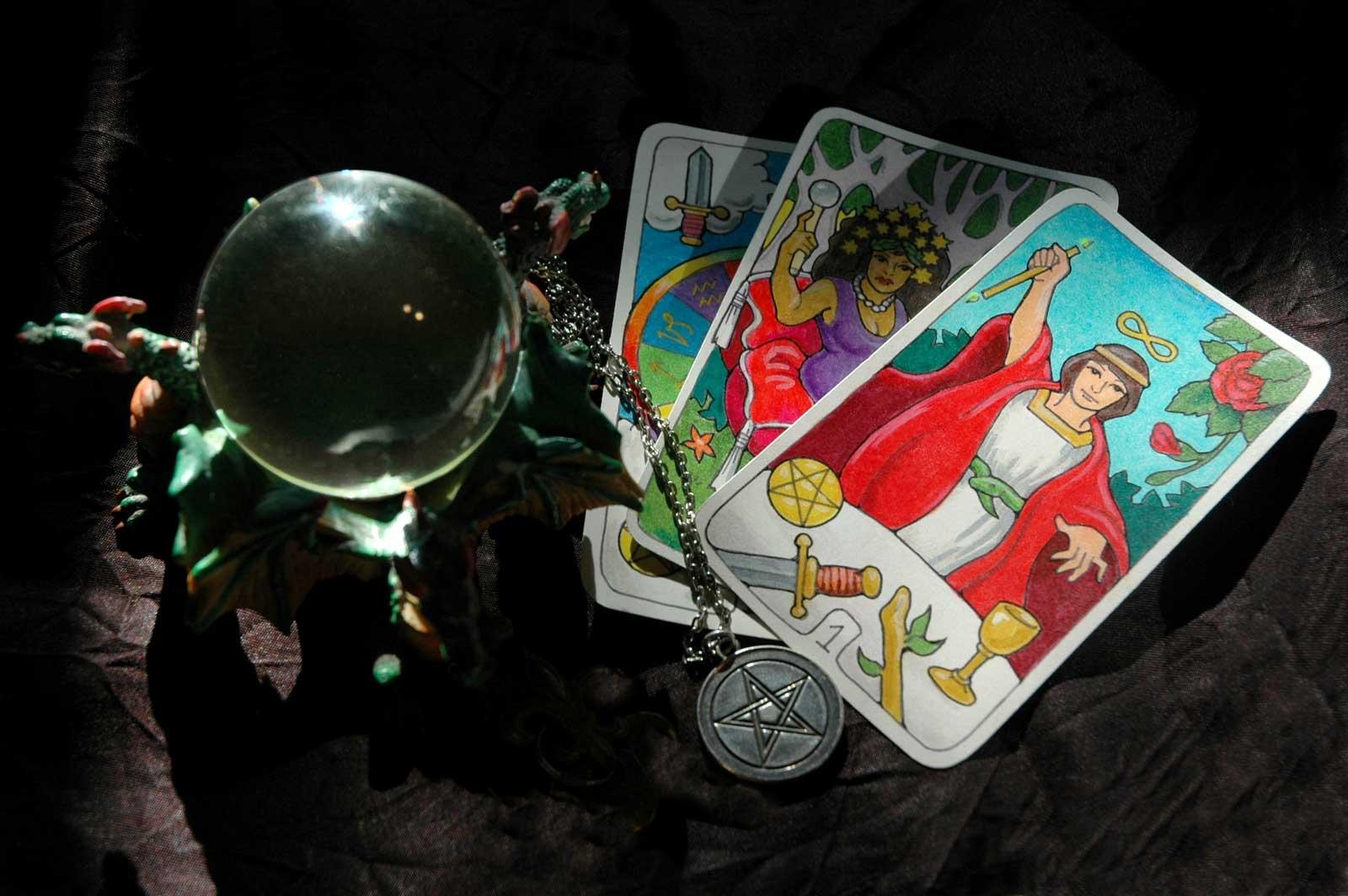 Što pokazuju tarot karte za mjesec prosinac?