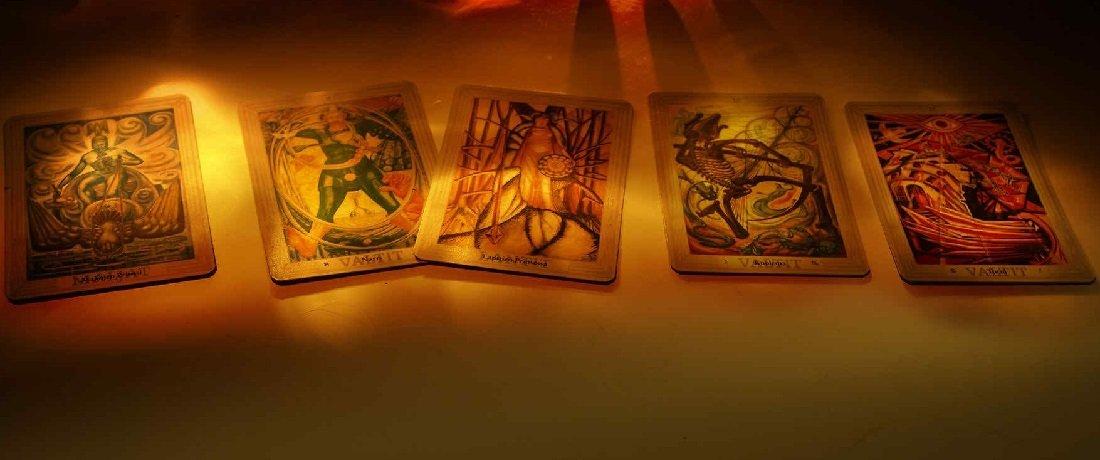 Što pokazuju tarot karte za mjesec kolovoz?